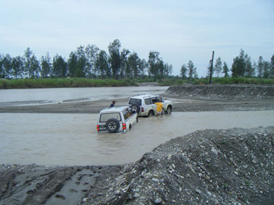 4wd in river